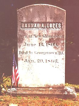 Photo of grave of Hannah Ropes courtesy of Elaine McCarty
