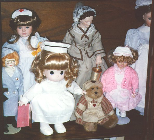 Dolls and figurines  repesenting nurses