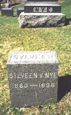 Photo of Sylveen Nye's grave by Peggy Jean Ledbetter